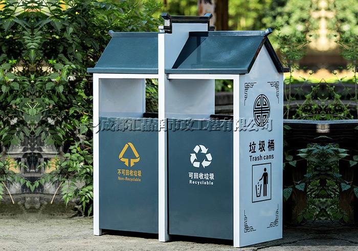 成都景区古典垃圾桶